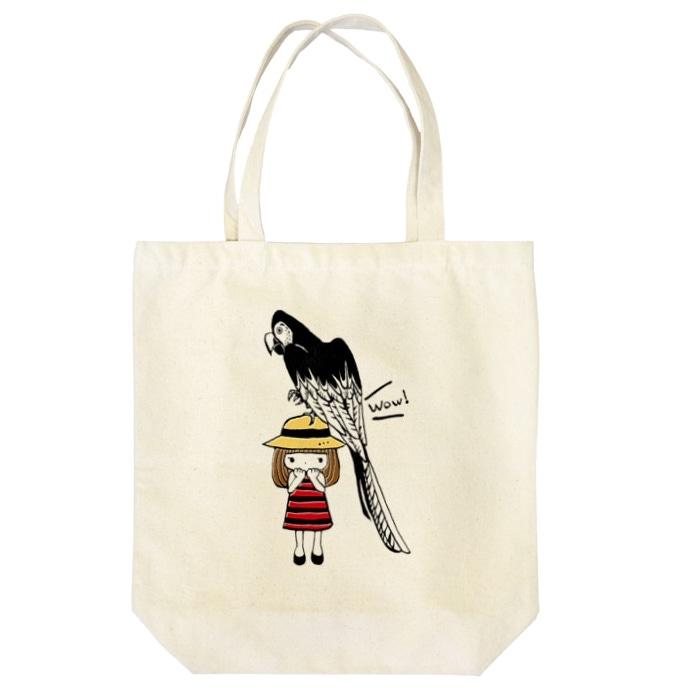 女の子とベニコンゴウインコのトートバッグ